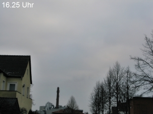 12-Februar... alter Bahnhof in Wiedenb rück.. wieder ein grauer Tag, aber trocken.. der Wind ist eisig