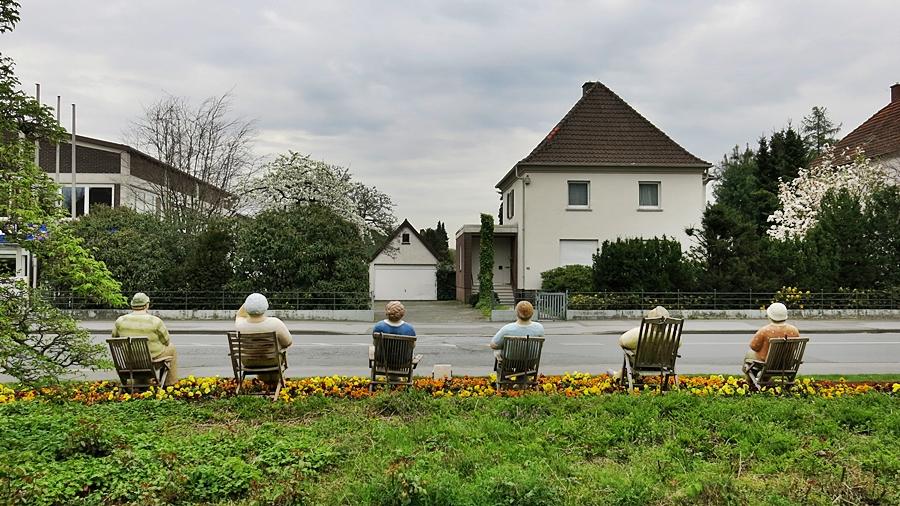 """4-April """"Alltasgmenschen"""" an der Haupstraße/ WD"""
